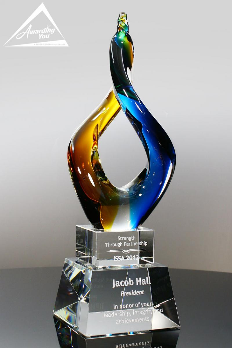 The Cosmos Art Glass Award would add color to your management award program
