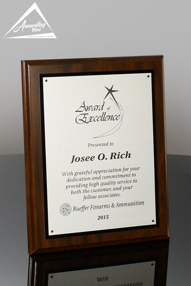 Plaques are a versatile option for IT awards